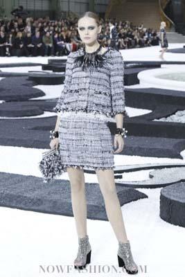 Chanel S/S 2011 : Frida Gustavsson