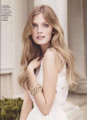 Vogue España February 2011 : Constance Jablonski