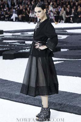 Chanel S/S 2011 : Kinga Rajzak