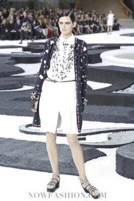 Chanel S/S 2011 : Stella Tennant