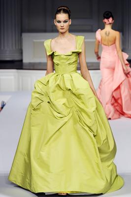 Oscar de la Renta S/S 2011 : Kirsi Pyrhonen