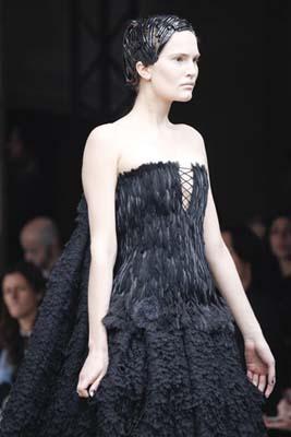 Alexander McQueen F/W 2011 - Alla Kostromichova