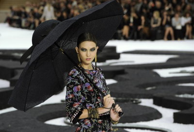 Chanel S/S 2011 : Karlie Kloss