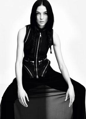 Givenchy S/S 2011 : Mariacarla Boscono