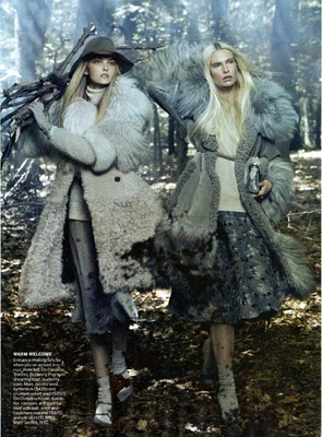 Vogue August 2010:Caroline Trentini & Christina Kruse