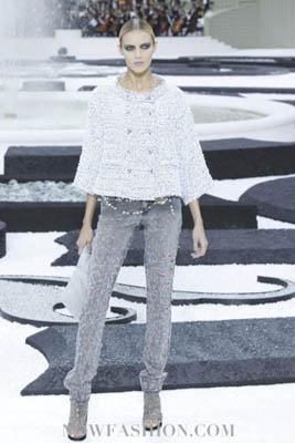 Chanel S/S 2011 : Anja Rubik