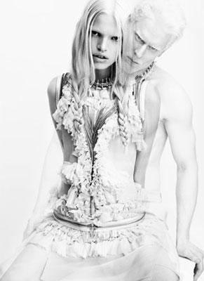 Givenchy S/S 2011 : Daphne Groeneveld & Stephen Thompson