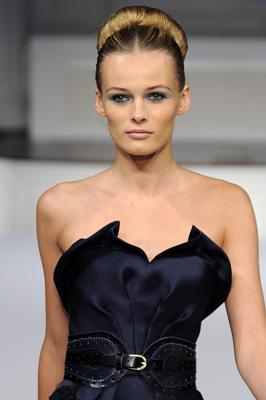 Oscar de la Renta S/S 2011 : Edita Vilkeviciute