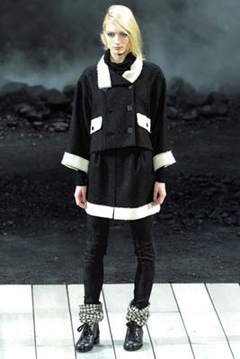 Chanel F/W 2011 - Melissa Tammerijn