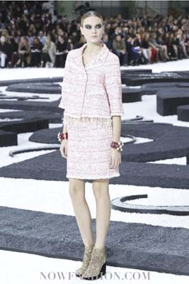 Chanel S/S 2011 : Irina Kulikova