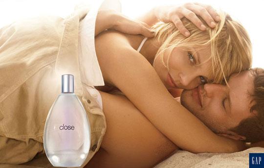 GAP 'Close' fragrance:Anja Rubik & Sasha Knezevic
