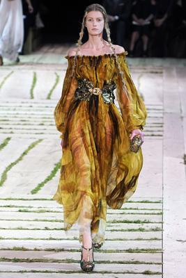 Alexander McQueen S/S 2011 : Sigrid Agren