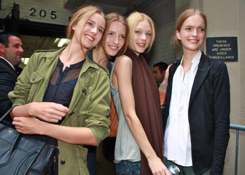BONAE'S BLOG - Lisanne de Jong,Iris Egbers,Patricia van der Vliet & Mirte Mass