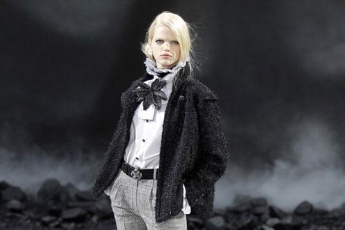 Chanel F/W 2011 - Daphne Groeneveld