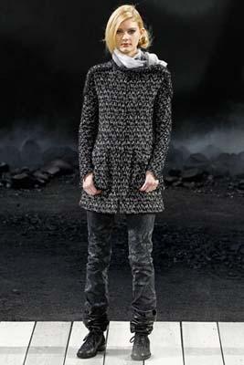 Chanel F/W 2011 - Patricia van der Vliet