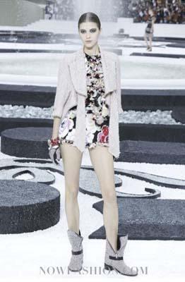 Chanel S/S 2011 : Yulia Kharlapanova