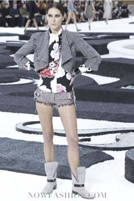 Chanel S/S 2011 : Erin Wasson