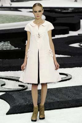 Chanel S/S 2011 : Siri Tollerod