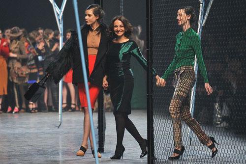 Sonia Rykiel F/W 2011 - Tati Cotliar,Nathalie Rykiel & Ruby Aldridge