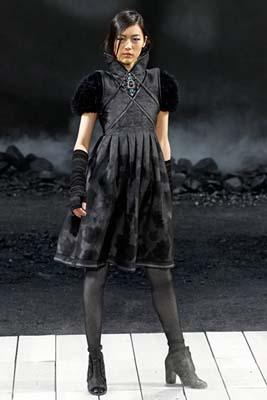 Chanel F/W 2011 - Liu Wen