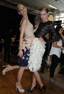 Jason Wu S/S 2011 : Patricia van der Vliet & Lisanne de Jong