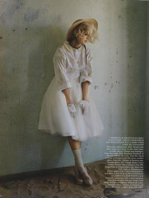 UK Vogue May 2011 - Agyness Deyn