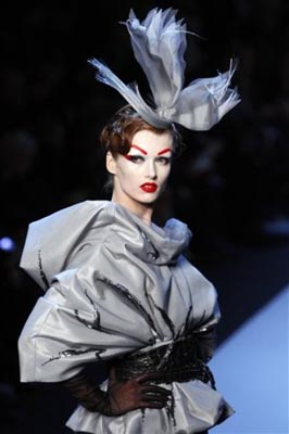 Christian Dior Haute Couture S/S 2011 - Karmen Pedaru