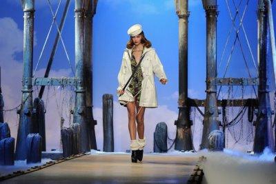 Christian Dior S/S 2011 : Karlie Kloss