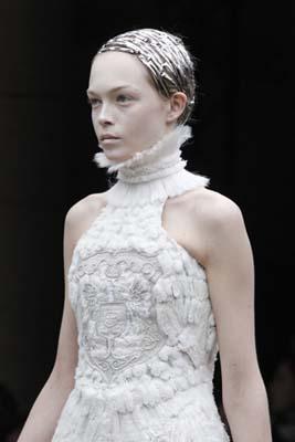 Alexander McQueen F/W 2011 - Siri Tollerod