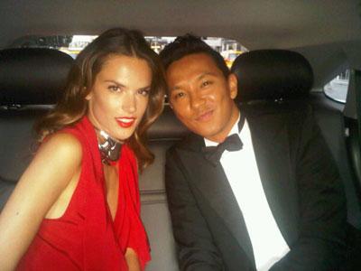 2011 CFDA Fashio Awards - Alessandra Ambrosio & Prabal Gurung