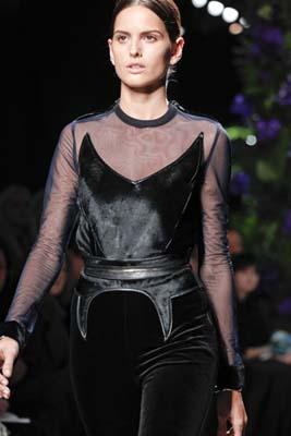 Givenchy F/W 2011 - Izabel Goulart