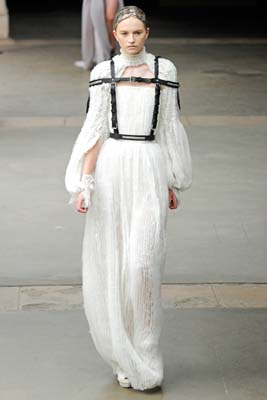 Alexander McQueen F/W 2011 - Anabela Belikova