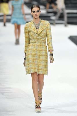Chanel S/S 2011 : Denisa Dvorakova