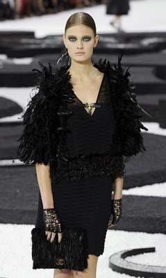 Chanel S/S 2011 : Constance Jablonski