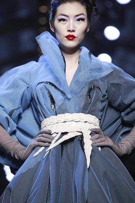 Christian Dior Haute Couture S/S 2011 - Liu Wen