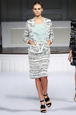 Oscar de la Renta S/S 2011 : Maryna Linchuk
