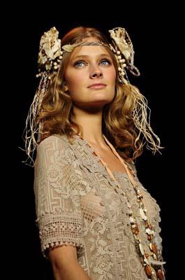 Anna Sui S/S 2011 : Constance Jablonski
