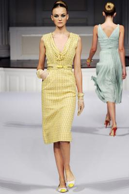 Oscar de la Renta S/S 2011 : Caroline Trentini