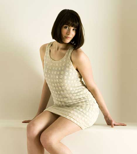 gemma_arterton_hot_girl_dress.jpg