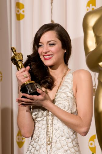 80th-best-actress-winner-marion-cotillard.jpg