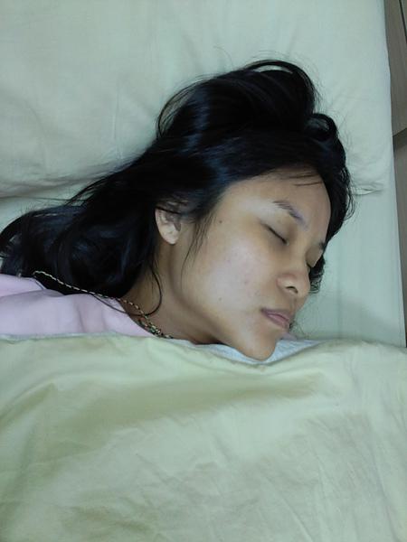 累到昏昏去ㄟ愛妹...推出來到我們走都是這樣捏...好辛苦歐