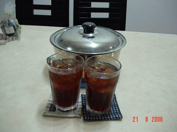 我煮的紅茶...冰冰涼涼