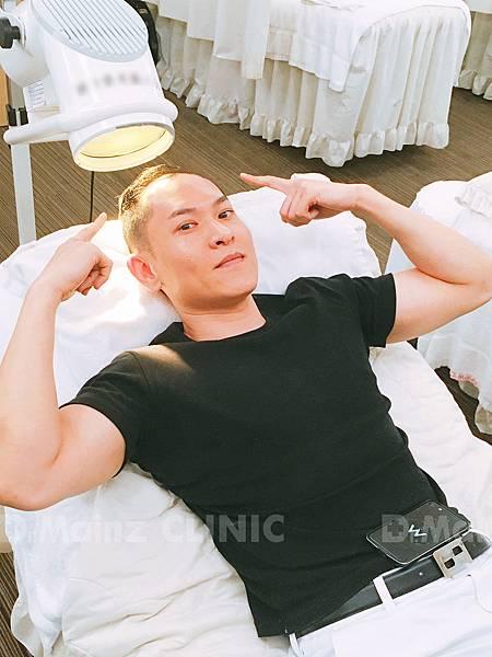 掉髮太嚴重,好像有點禿!台灣掉髮族年輕化  (13).JPG