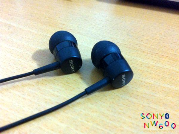 SONY MW600 -11.jpg
