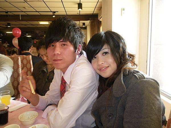 小弟+女友.JPG
