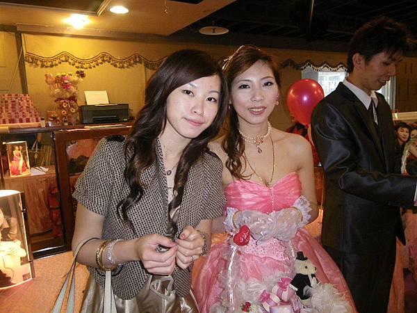 姐姐+kiki.JPG