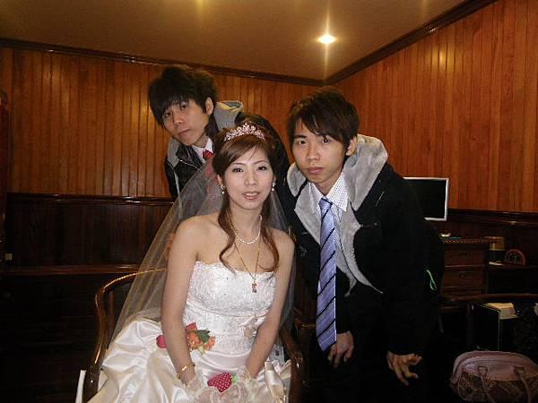 姐姐+大弟+小弟.JPG