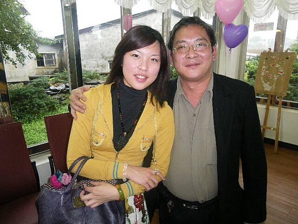 五叔+他女兒婷婷.JPG
