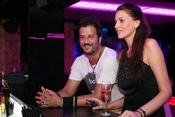 03-U Pink Champagne došli su Stefan Kapičić i MIranda Viđak.jpg