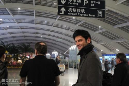 Maksim Mrvica 2011.11.14 抵達北京首都機場.jpg